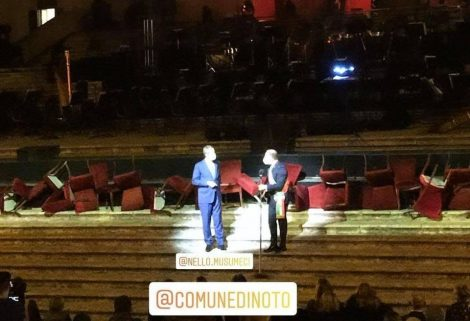 """Musumeci al concerto di Bocelli, """"siciliani in ginocchio e lui trova tempo e denaro"""" - https://t.co/wdEIHqapTJ #blogsicilianotizie"""