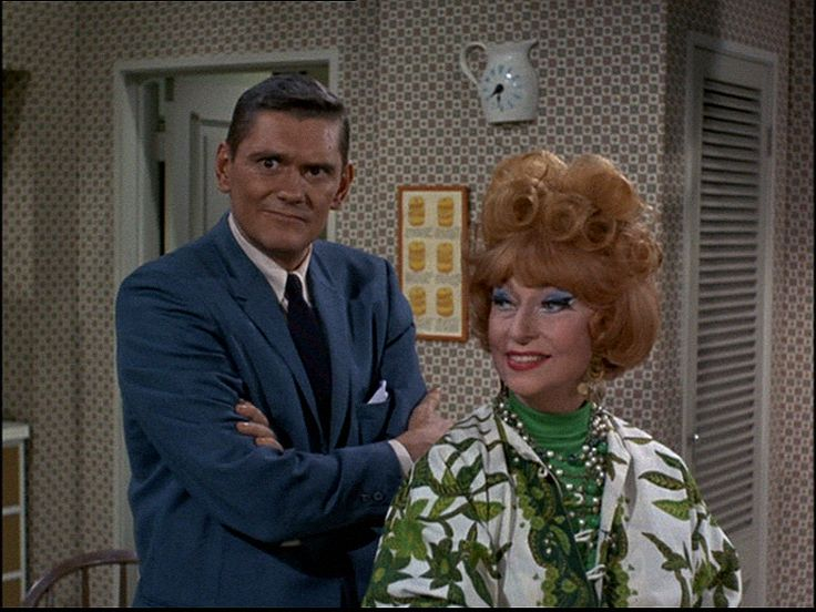 #ClassicTV #MothersInLawDay  Bewitched: Samantha's mother Endora and Darren's mother Phyllis Stevens Agnes Moorehead and Dick York / Mabel Albertson and Elizabeth Montgomery Green Acres: Oliver's mother Eunice and Lisa's