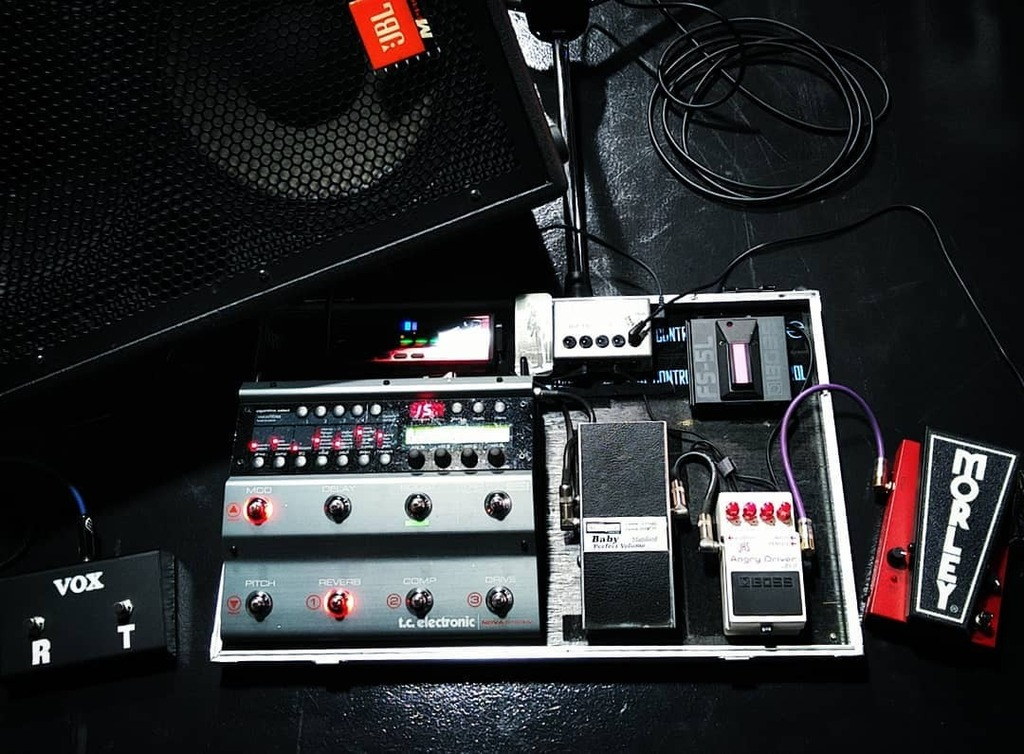 My recent pedals...  #tcelectronic #morley #boss #shinsmusic #vox #korg #butterflyeffect #cre #caj #providence #pedalboard #fxpedals #guitarist #guitargear https://t.co/zTQ8NDgiqL https://t.co/ZiSwuIgf5C