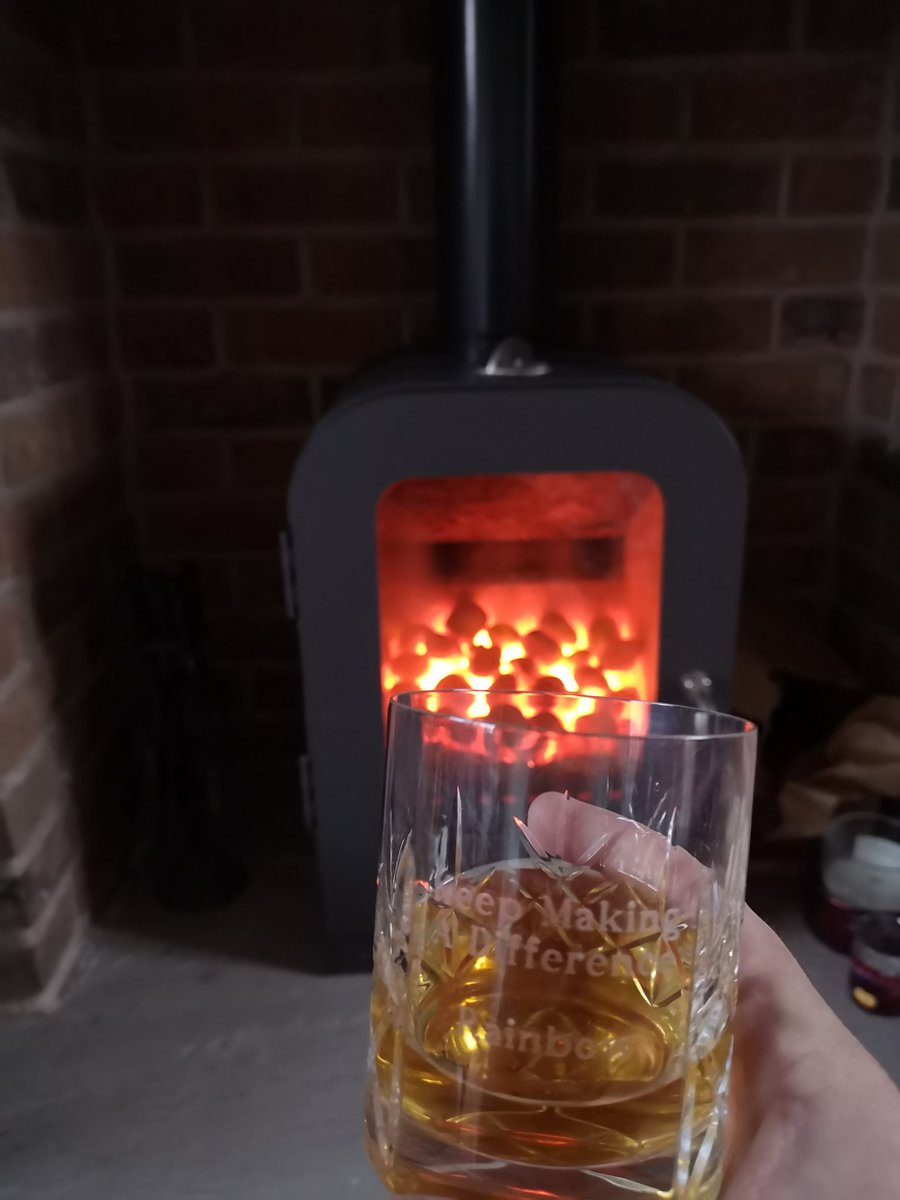 Some days, I find myself reminiscing in front of a fire with a @southerncomfort... I do miss my #rainbowward and #PECC family @WWLNHS  #makeadifference #apnp #paediatrics #advancedpractice https://t.co/Kj6qYeLa4W