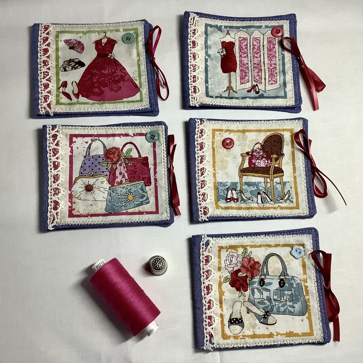 New listing #pretty #needlebooks just about to join my #etsyshop #girly #christmasgiftidea #handmade #HandmadeHour   Take a peek 😍💃💃💃 https://t.co/dHdFEptxTk