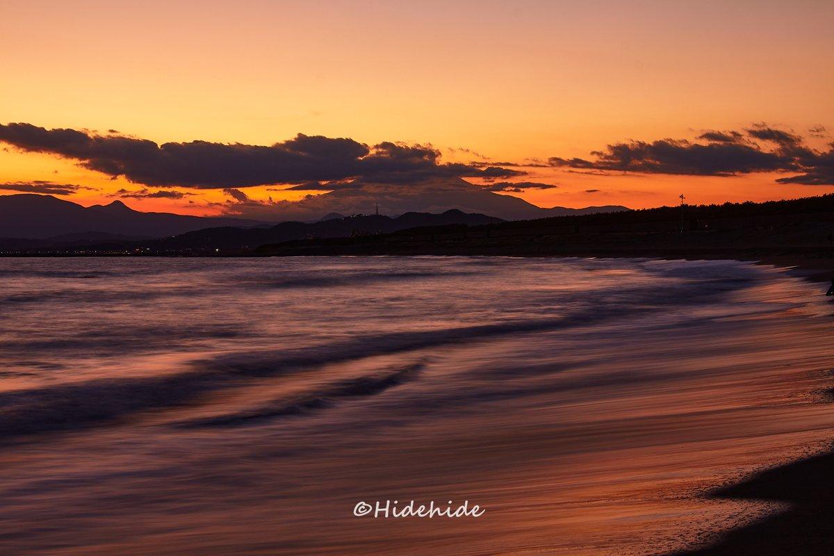2020.10.25 雲が残ったけど綺麗でした  #ファインダー越しの私の世界 #写真好きな人と繋がりたい #湘南 #湘南海岸 #富士山 #マジックアワー #海 #茅ヶ崎 #藤沢 #平塚 #海好きな人と繋がりたい #Photo #サザン  #Photographer  #canon #Sunset #sky #wave #Nature #被写体募集 #モデル募集 https://t.co/asbXNTKJ8R