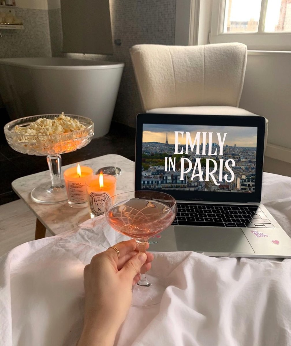 The ideal way to spend a Sunday ✨ #repost: @queenofjetlags Visit the Fall Shop: https://t.co/6HhiTbexNL https://t.co/4UfceIIgrC