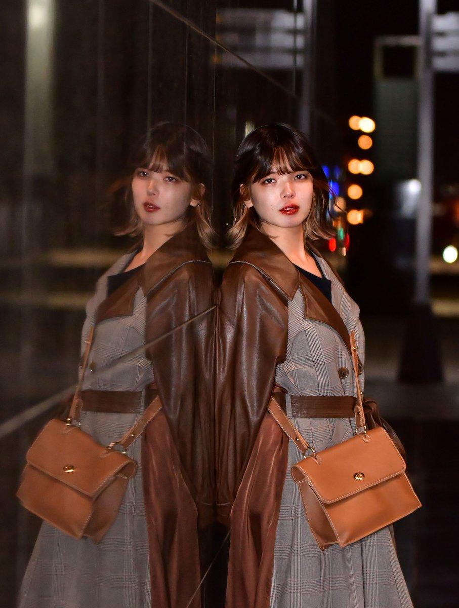 10月25(日) 京都 京都駅周辺  Model : #すーの さん☆ @shirokuro_suno @shirokurokansai 芸術の秋・・  シンメトリー的な・・ #シロクロ撮影会 #ポートレート #portrait  #被写体 #関西被写体 https://t.co/Zc9O7sUENn