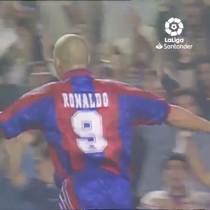 📅 Today in 1996, Ronaldo scored these three stunners for Barcelona 😍  https://t.co/bsbfALp7rV