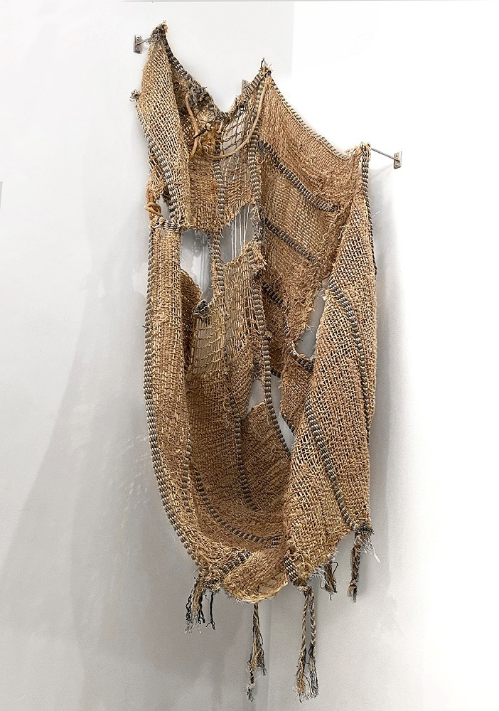 Amy Usdin Thoughts and Prayers cotton and sisal on repurposed horse fly nets 64 x 23 x 20 in.  https://t.co/TRTiDlhdvd  #womanmadegallery #fineart #womenartists #chicagogalleries #contemporaryartists #artgallery https://t.co/xayoLR3eQj