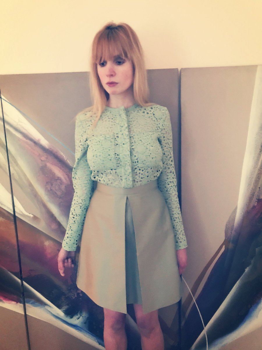 Giverny green @victoriabeckham #victoriabeckham #vvb #lacedress #greendress #dressup #dressedup