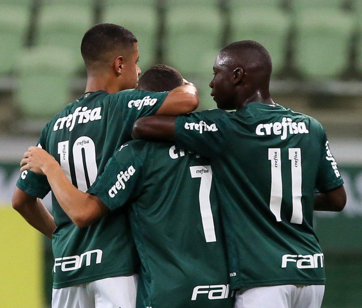FIM DE JOGO!  E que jogão!   Palmeiras 2 x 1 São Paulo - Brasileirão Sub-20  Vitória de virada no Allianz Parque! Gols do Palmeiras marcados por: Marcelinho e Ramon Cesar! https://t.co/w4twTQ44pP