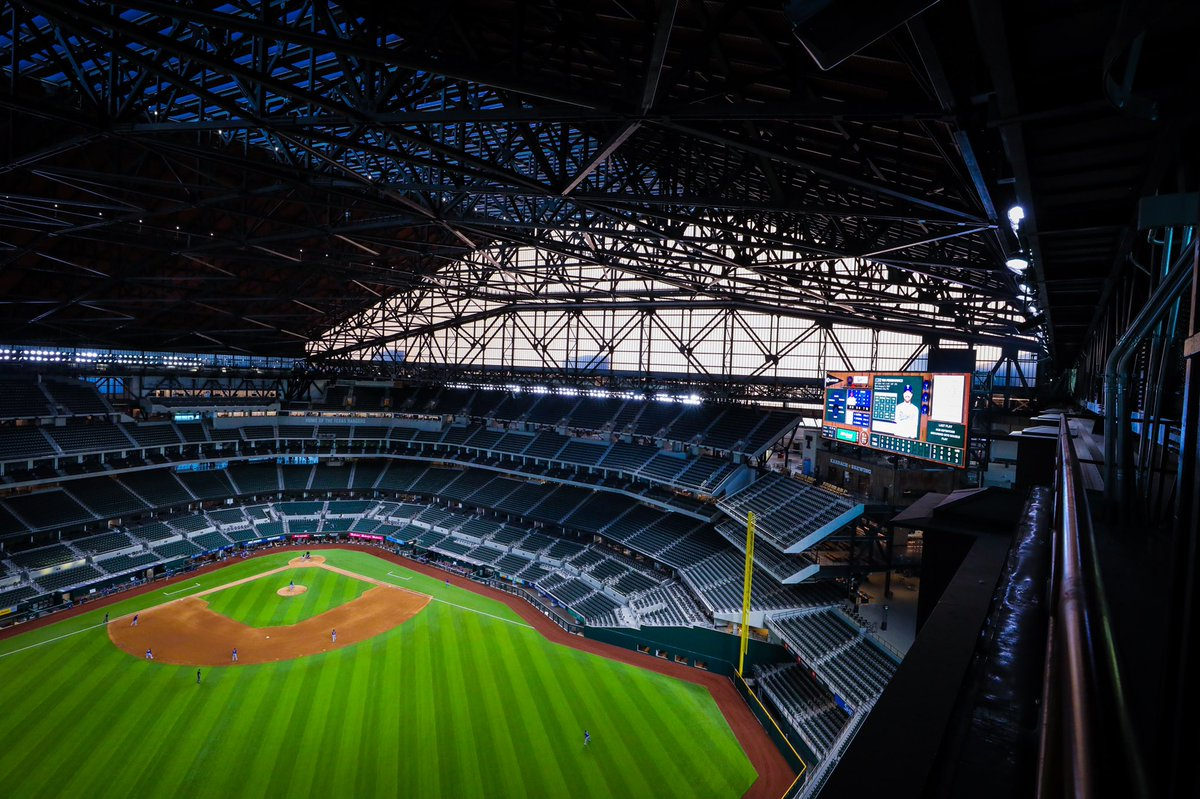 The roof will be closed for Game 5 of the #WorldSeries