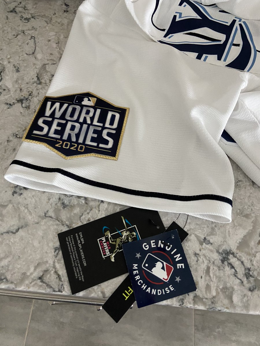 It arrived!! YALL ALREADY KNOW WHAT I'll BE WEARING TONIGHT AND THROUGHOUT THE #WORLDSERIES  !! 2 more WINS!!  #Mlb #Raysup   @RaysBaseball #postseason https://t.co/a6texs9M60