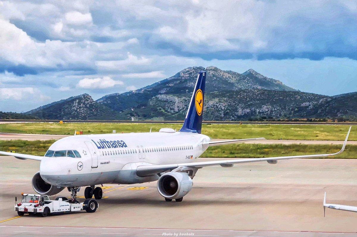 Lufthansa💛 A320ceo pushing back!✈️ - @lufthansa @Airbus @ATH_airport @staralliance #lufthansa #lufti #LH #a320 #a320ceo #airbus #departure #aircraft #ath #lgav #airplane #airport #aviation #avgeek #staralliance #ramp #airbus320ceo #elvenizelos #athensairport #pushback https://t.co/z3xmsD37Lv