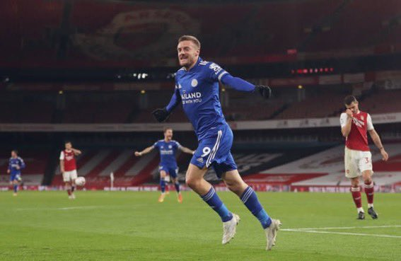 ¿Los Goles de Jamie Vardy? Frente a grandes 🚀  •11⚽️ vs. Arsenal. •9⚽️ vs. Man City •7⚽️ vs. Liverpool. •5⚽️ vs. Tottenham. •4⚽️ vs. Man United. •3⚽️ vs. Chelsea.  Hoy, marcó el 1-0 de la victoria frente al Arsenal. https://t.co/YbvhIwZogA