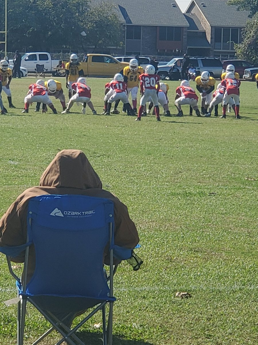 Two of my Students played against each other this weekend🏈 YOU KNOW I WASN'T GOING TO MISS IT!!#Students  #MidCitiesFootball #Falcons #Chiefs #community #TeacherLife #WilshireConnection #WLE  #MsWilliamsLuvsThaKids #HEBISDThePlace2b https://t.co/Vp875OzyKz