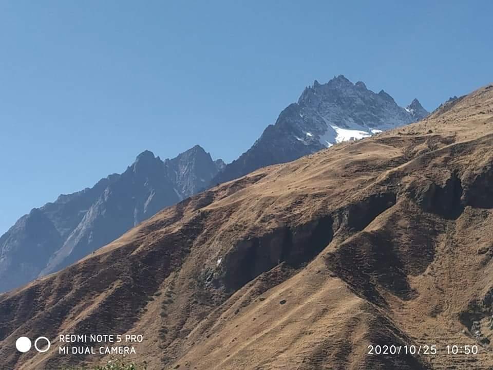 Mana . Incredible Uttarakhand @UTDBofficial #TREASURE #Uttarakhand #uttarakhandheaven #chardham #badrinathdham #badrinath #trekking #mountainview #positivevibesonly #naturelovers #morningmotivation #morningvibes #trekkinglovers https://t.co/mPT8XrrFWo