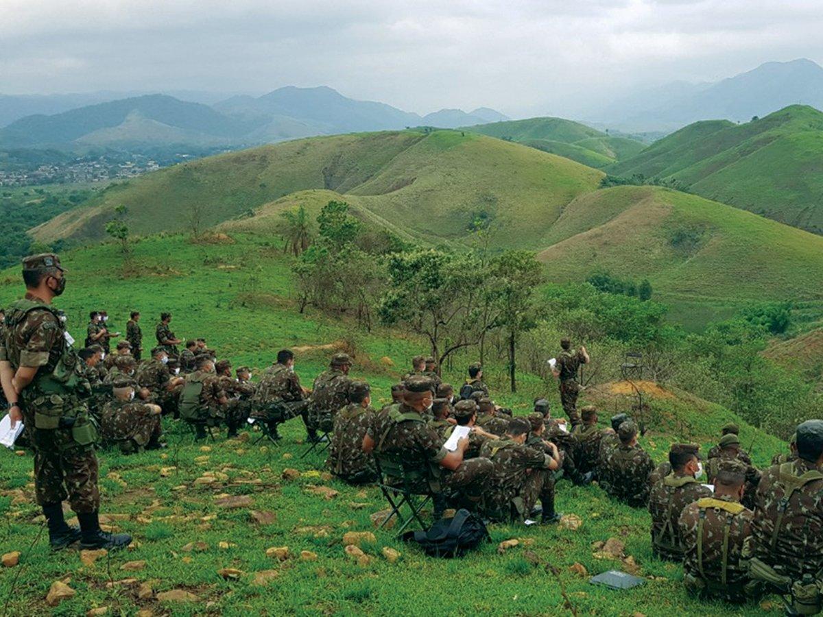 Grupamento de Unidades Escola / 9ª Brigada de Infantaria Motorizada conduz exercício de Posto de Observação para seus Quadros https://t.co/KhYIqNndxp #BraçoForte #MãoAmiga https://t.co/tJudSDd100