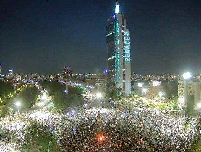 Felicitamos a chilenos por votar a favor de nueva Constitución: FMLN