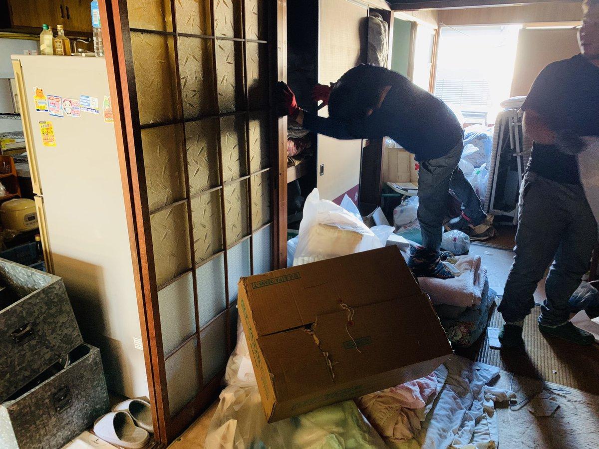 今日は岐阜市で遺品整理…5人で作業中^_^