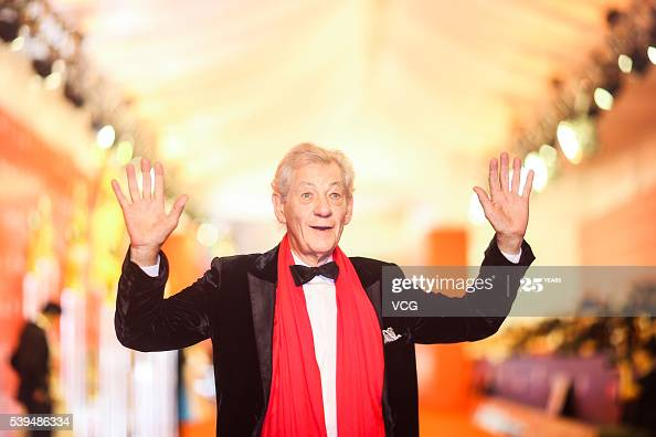 Sir Ian McKellen won his seventh Olivier Award for his one-man 80th birthday tour of the U.K at the The Olivier Awards this weekend in London  More 📸 #IanMcKellen 👉  https://t.co/Kg5GHN6duW https://t.co/93KyG8jwPV