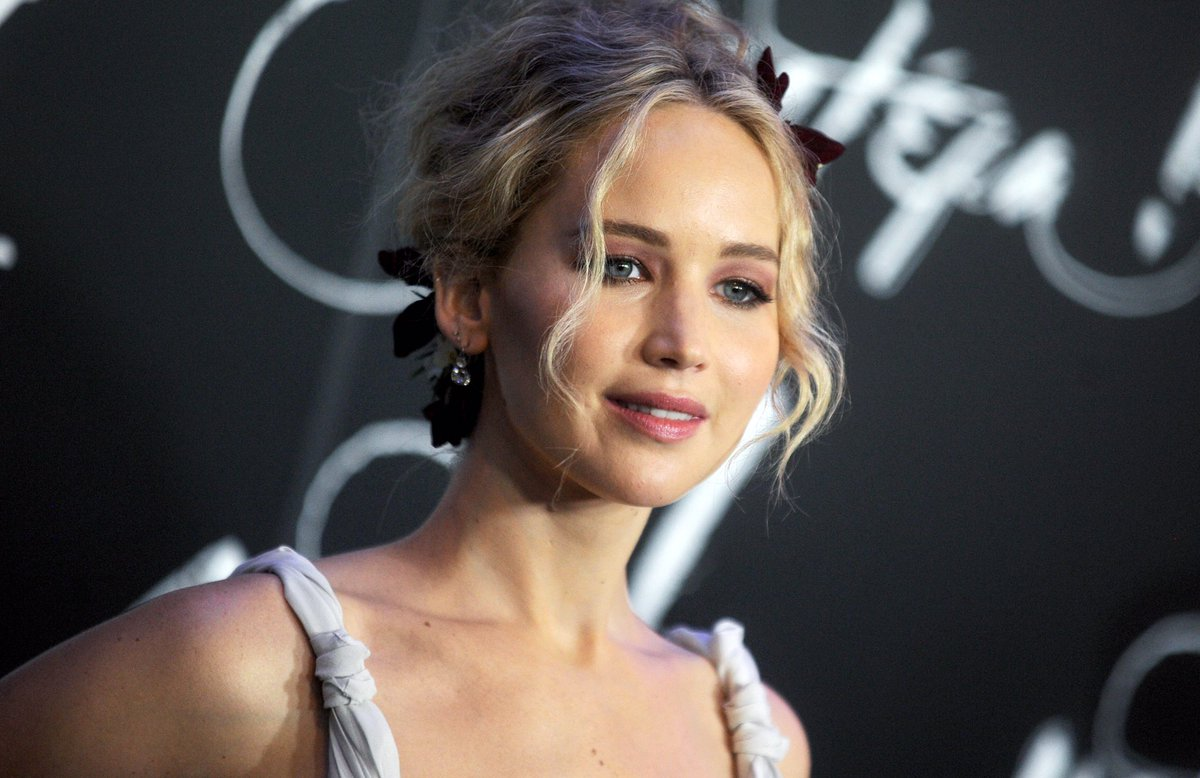 RUMOR: It appears that Jennifer Lawrence, Leonardo DiCaprio, Meryl Streep, Cate Blanchett and Timothée Chalamet have all landed in Boston as the production of Don't Look Up is still due to start in November