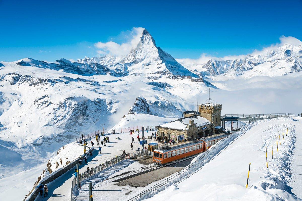 We're all like snowflakes, all different in our own beautiful way.  Location: Matterhorn Country: Switzerland  #matterhorn #zermatt #switzerland #mountains #alps #swissalps #cervino #zermattmatterhorn #valledaosta #valais #wallis #cervinia #zermattswitzerland #snow #travel_scoot
