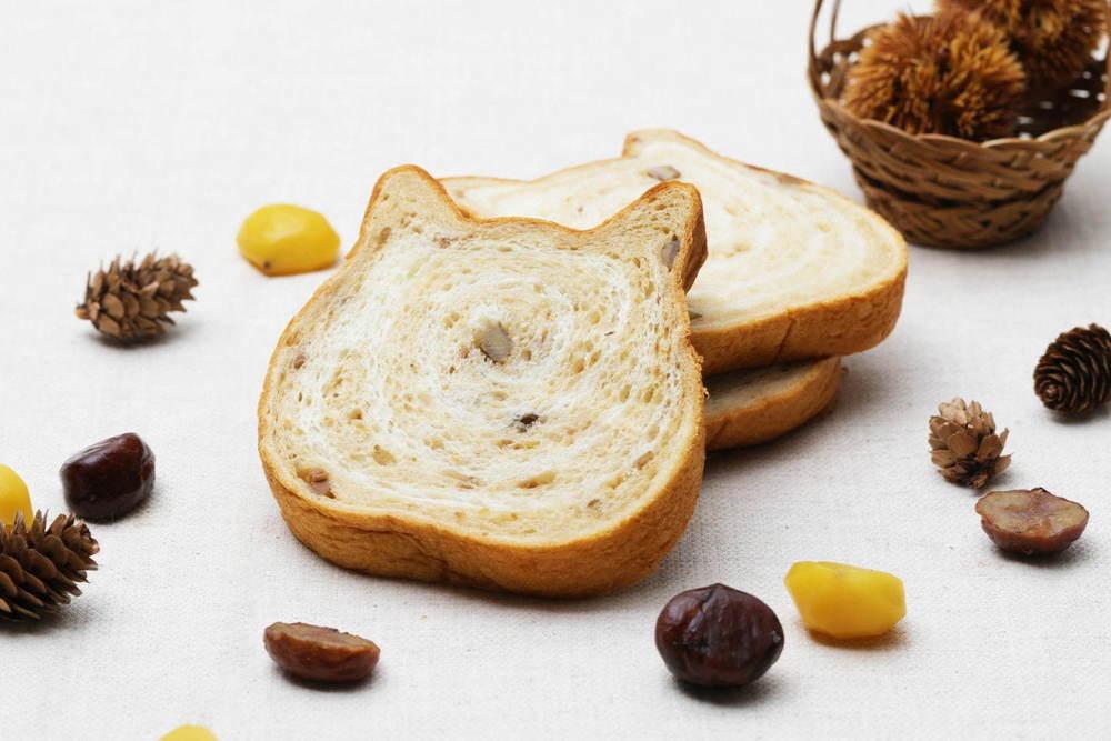 """ねこ型高級食パン専門店「ねこねこ食パン」に11月限定""""モンブラン""""風味、栗の果肉もゴロゴロ -"""