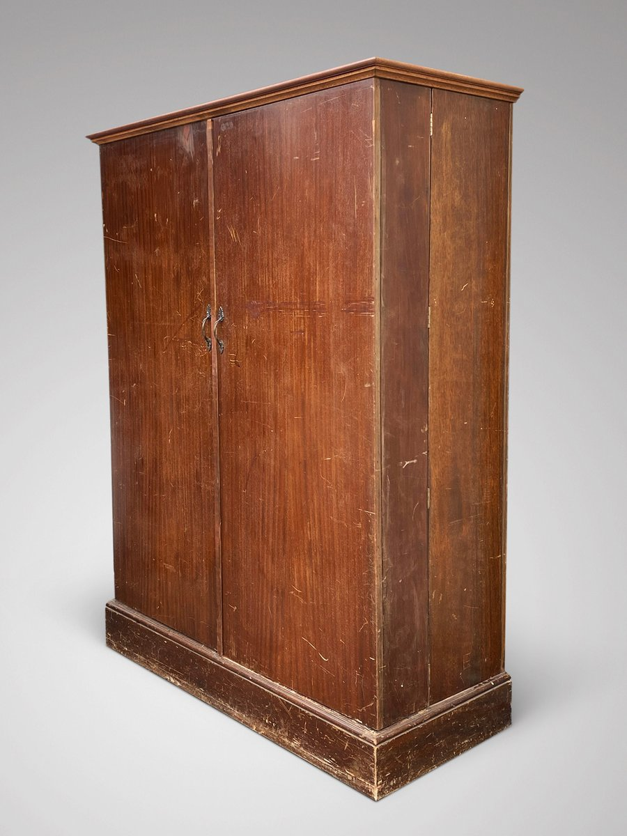 A mahogany gentleman's wardrobe by Compactum Ltd. of London. Fitted with labelled compartments, trays and rails. https://t.co/GyPimvAnnM #antiquewardrobes #mahoganywardrobes #interiors #CompactumWardrobe https://t.co/Tyky42cXtG