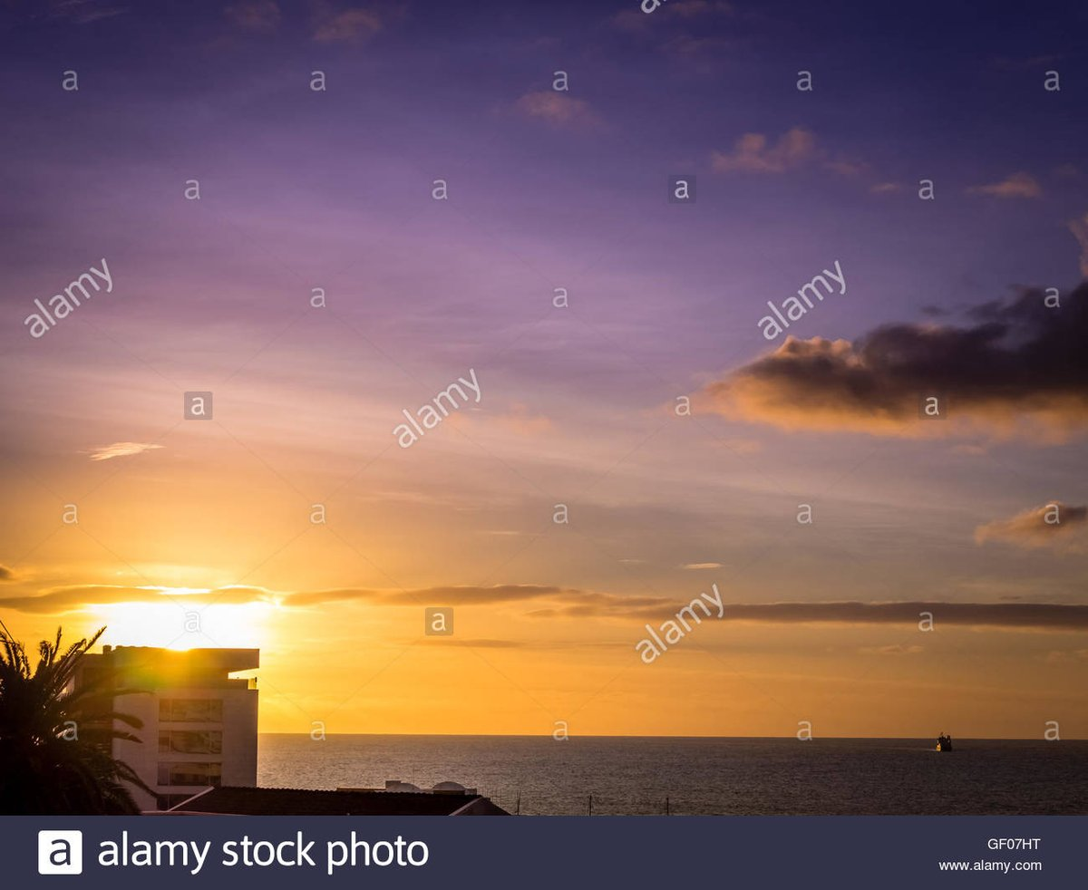 Good morning, Ponta Delgada. #Portugal https://t.co/sCJm9Cxhcy https://t.co/DjwfKAHkl3