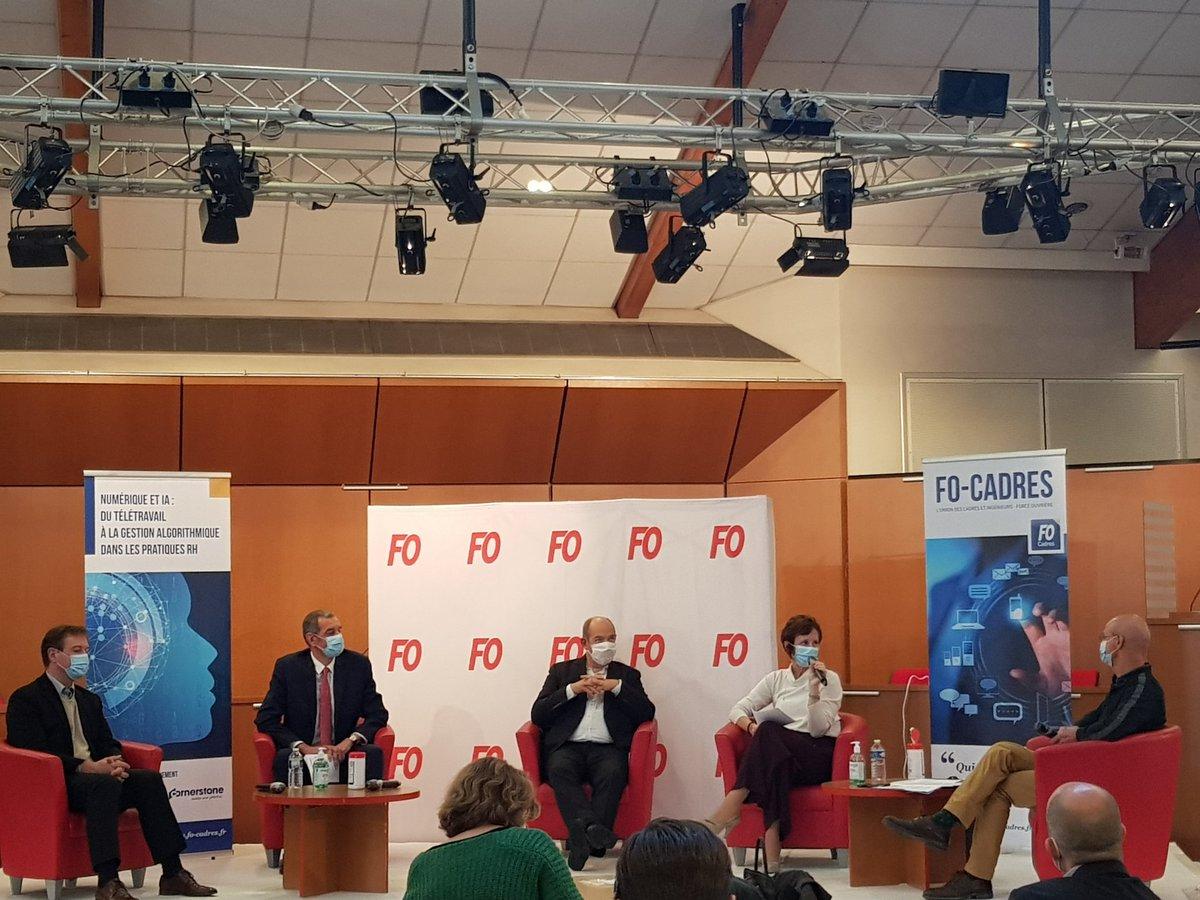 """Colloque 26/10 @FOCadres #IAFO 1er table ronde:"""" transformation #numérique dans le monde du travail : de la régulation des outils à la protection des travailleurs"""" avec @GillesGateau @gdelestrange @_pierreblanc et @BeatriceClicq #IA #BigData #RH https://t.co/uC6FfC5kTH"""
