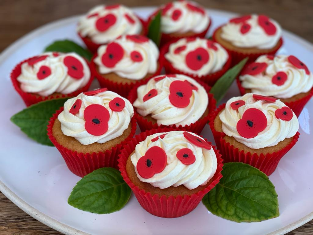 The Duke and Duchess of Cambridge and their family have shown their support for our #PoppyAppeal this year by baking these delicious poppy cakes which were delivered to our care home in Norfolk. @KensingtonRoyal https://t.co/ek2UEhxLHY