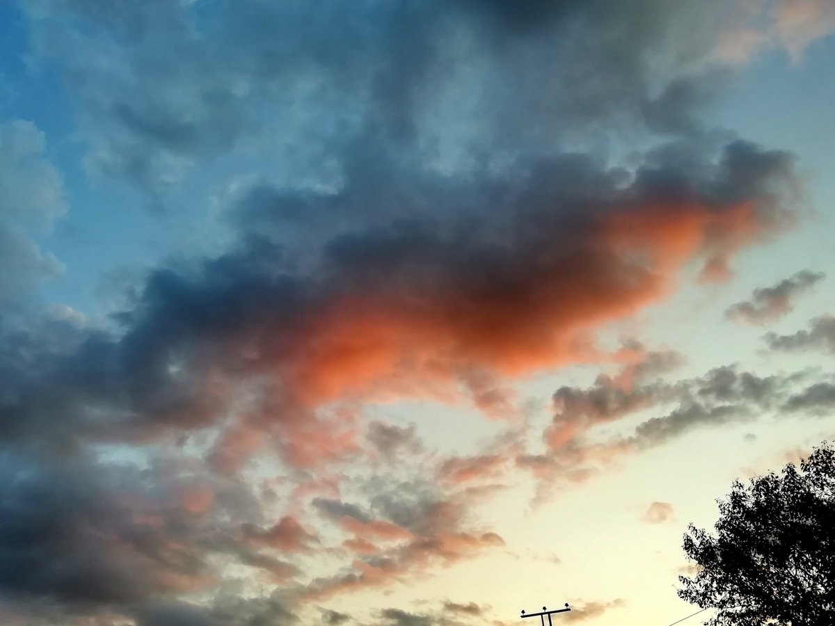 Залезно #здравей #небе #SkyHunters #photobyme #sunset #clouds https://t.co/TBVN2qFWtr