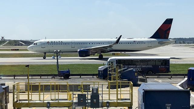 Delta adds hundreds of passengers to no-fly list over mask policy violations hill.cm/Ds7xZ3h