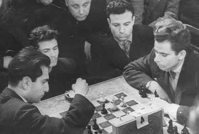 test Twitter Media - After 7 hours and 35 players @GMJanGustafsson &  @PHChess are getting to the real giants!   16. Boris Spassky (10th World Chess Champion) 15. Mikhail Tal (8th World Chess Champion)  https://t.co/UFPhSrgU1C   #c24live https://t.co/iEG7UkS3sr