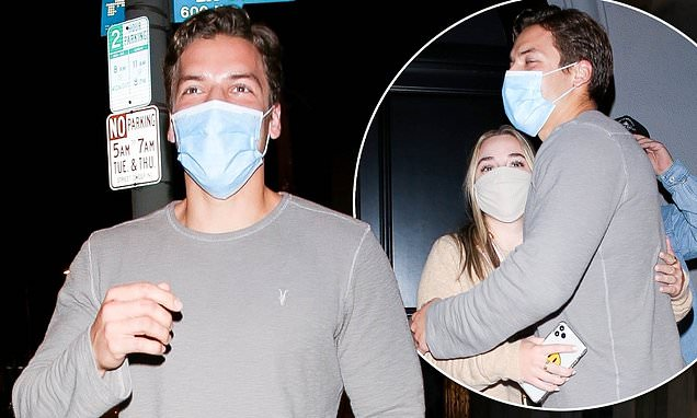 Arnold Schwarzenegger's son Joseph Baena keeps things casual while on a date in West Hollywood: The son of Arnold Schwarzenegger, 23, cut a relaxed figure in a long-sleeved grey top as he stepped out for the date night at Craig's in West Hollywood on… https://t.co/IPgpEPVFCt https://t.co/HVpLh87GHV