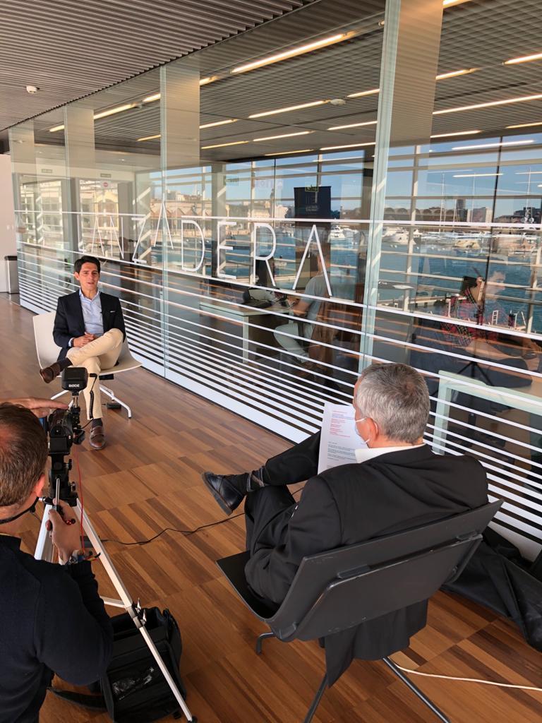🎙️ Hoy nos visita @jromero_tv, Director y Presentador de  @emprendeTVE, para entrevistar a nuestros #emprendedores y conocer más sobre @marina_empresas y las #startups de @lanzaderaes. ¡Bienvenido 🔝! https://t.co/k91OIHYaiD