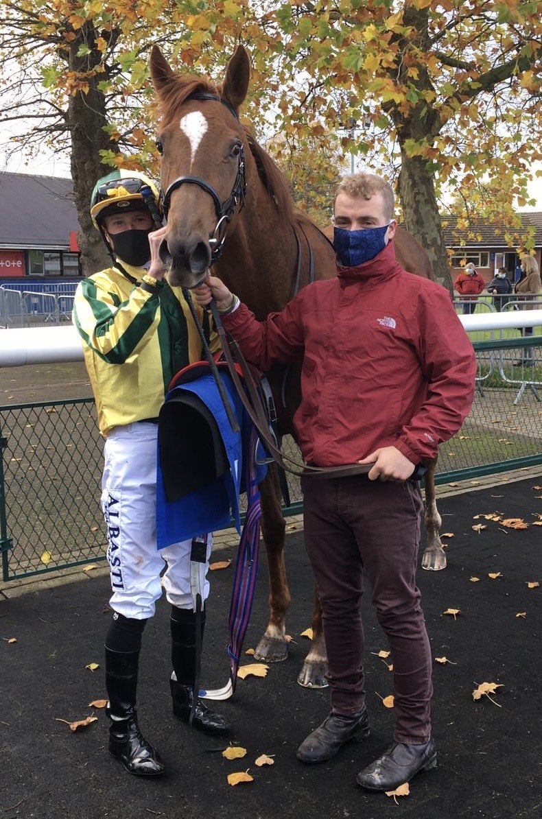 Baileys Afterparty wins for owners breeders Baileys horse feed at Leicester The daughter of Supplicant shows a great attitude & fed on Baileys 👌👌