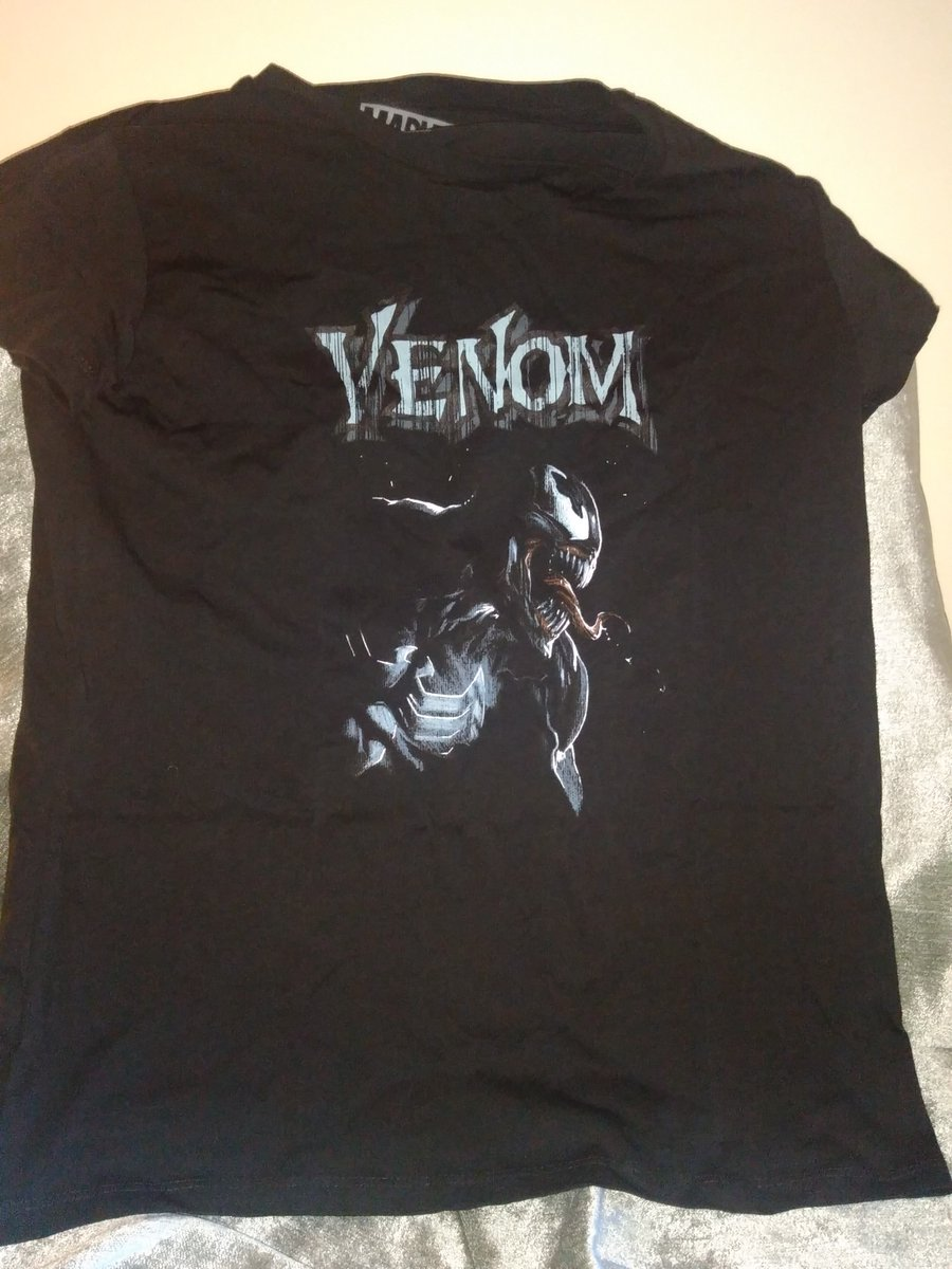 Pete got me a Venom t-shirt! I really like that film, can't get enough of Tom Hardy 👍 https://t.co/8GASOkLHln