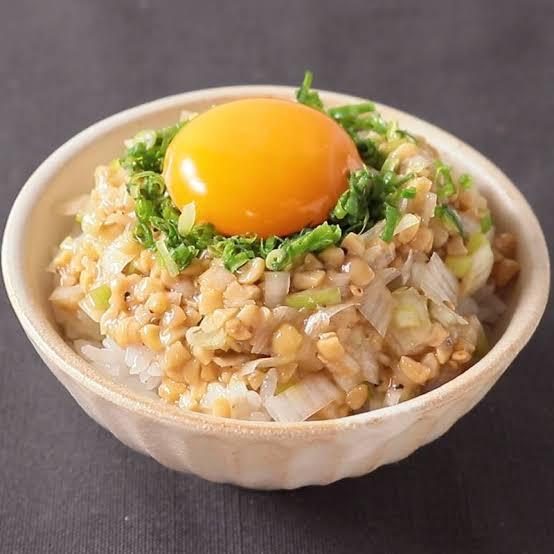 @AK777AK777AK 納豆、ネギ、卵と一緒に喰うんだぜ!by松岡修造