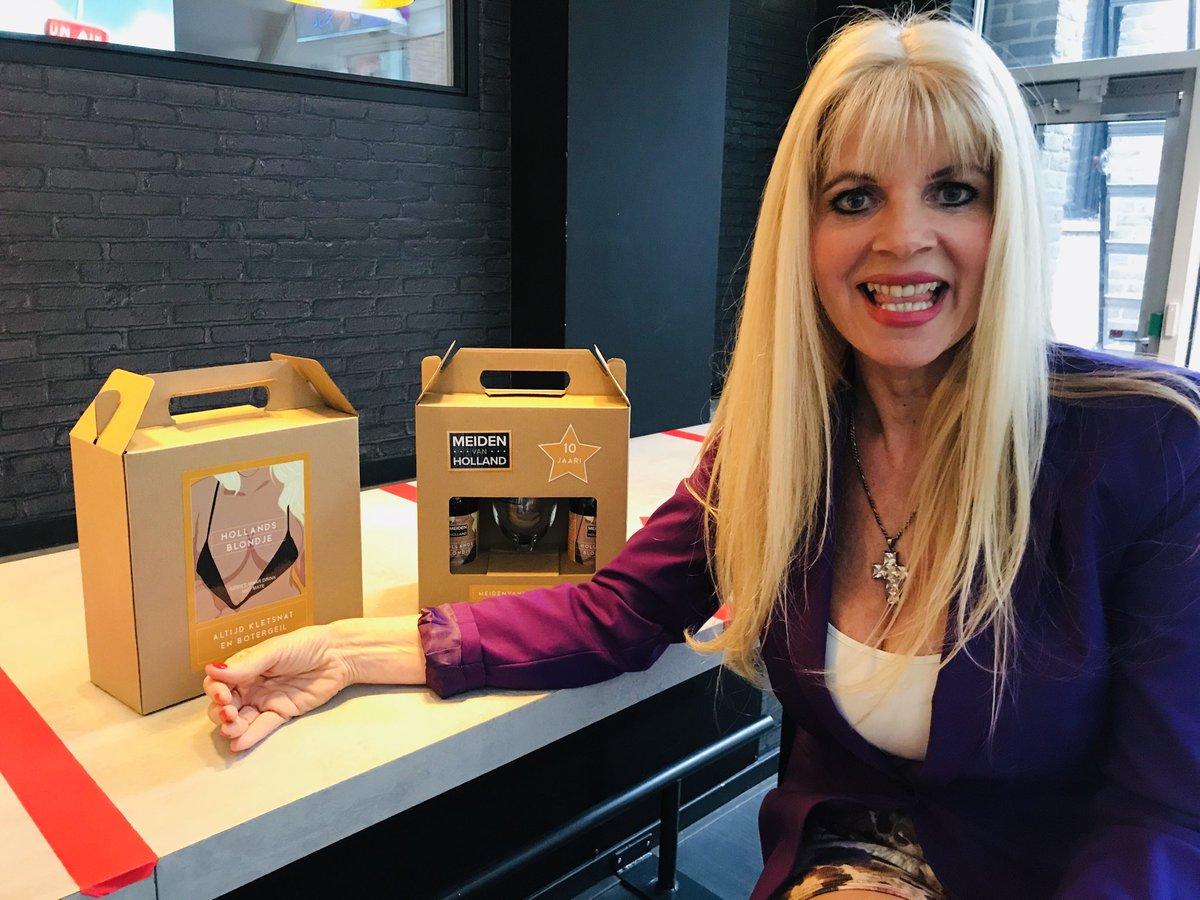 Wil je ook weer mijn TV zender Meiden van Holland terug in het plus pakket van KPN! Laat het dan hier via deze link weten💋bit.ly/31HxqKx