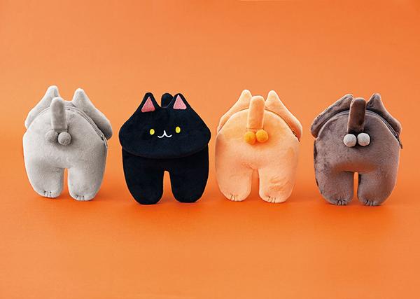 """【ふわふわ】猫の""""あの部分""""にフォーカスした「にゃん玉ポーチ」登場なめらかなさわり心地のソフトボア生地は、本物の猫のような触感。手を入れてパペットのように遊ぶこともできるという。"""