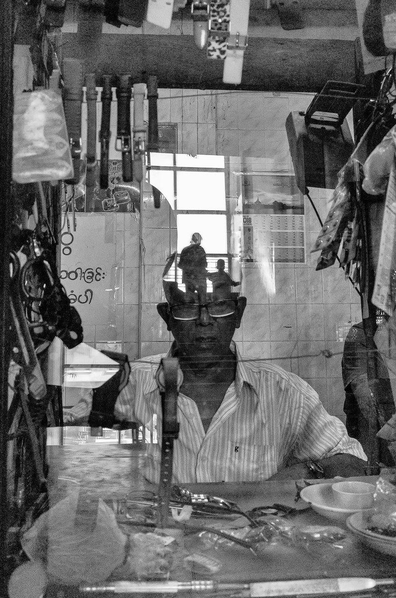 #reflection #myanmar #Burma #lifestyle #streetphotography #2020 #blackandwhite #photooftheday https://t.co/ea8bO2LkL1