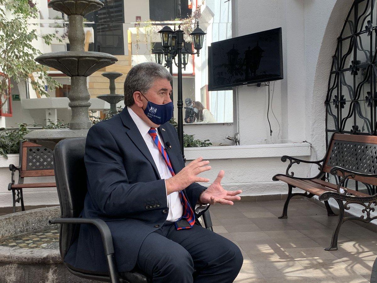 Nuestro #embajador @HMACampbell conversó #hoy con @Denisse_Molina acerca de la #vacuna candidata de #AstraZeneca contra el #COVID19 y el acuerdo del Gobierno de #Ecuador 🇪🇨 con la farmacéutica británica. @AstraZeneca @ecuavisa @EcuavisaInforma  🇬🇧 #InnovationIsGREAT https://t.co/iuXsFWZwyK