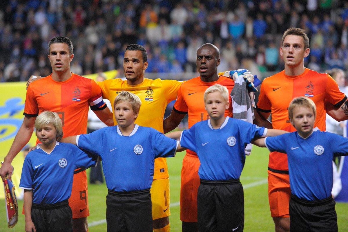 Replying to @OnsOranje: 1️⃣5️⃣ interlands 🥈 WK 2010, EK 2012, 🥉 WK 2014  Geniet van je voetbalpensioen, Michel Vorm! 🧡