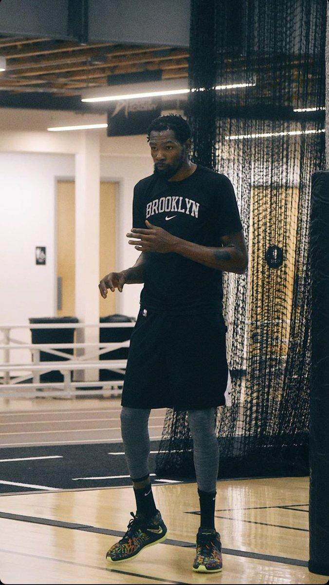 Kevin Durant reppin' Brooklyn.  (via __devonte__ IG) https://t.co/A2Ohk5mPo1