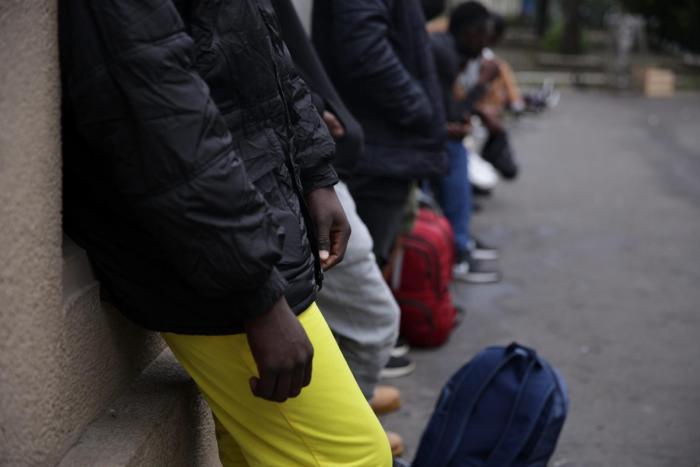 """En 2019, 75% des mineurs traduits en justice à Paris pour des """"atteintes à la personne"""" étaient des migrants. """"Ne faisons pas d'amalgame"""" précise le procureur. Lire l'article : https://t.co/9BXnK5kTeD https://t.co/DLSKCLyu3o"""