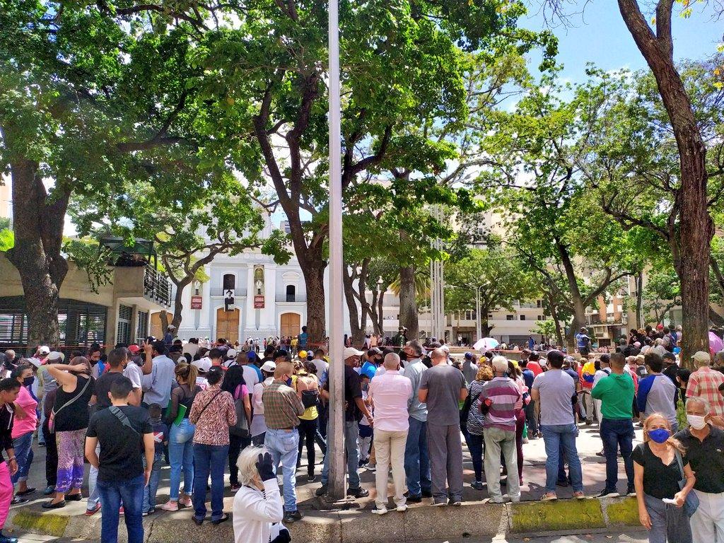 Lunes 26 de octubre. Rumbo a la ceremonia de beatificación del Dr. José Gregorio Hernández, El Ciervo de Dios  #Caracas 🇻🇪 11:40am https://t.co/5nzZY1XHYM