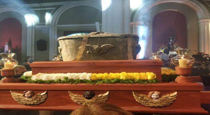 #Venezuela Ya fueron exhumados los restos de José Gregorio Hernández https://t.co/YXlmVgbbga #JoseGregorioHernandez #ExhumacionDrJGHernandez #Caracas #Trujillo #Isnotu #IglesiaCatolica https://t.co/TklyLfU2vn