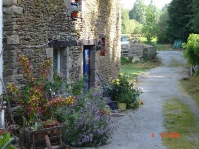 2 Houses for sale in 8 hectares of riverside land #Ploermel,   #Brittany #France #FranceProperty https://t.co/XijTZxERKc https://t.co/Ij57klDHJh