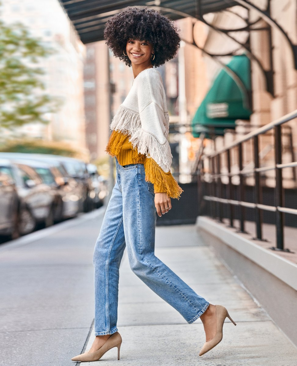 Pair a bold sweater with light wash denim and neutral pumps for a fall-ready ensemble. https://t.co/EvGeDYNlvj https://t.co/rDgOrGPeT4