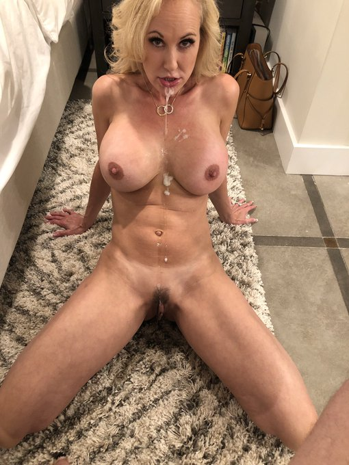 2 pic. During & after.  Wanna see the whole thing?  😈😈 https://t.co/ywjHYzeoRp 😈😈 ❤️❤️ https://t.co/JPmaUchemp