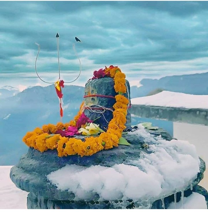 #HarHarMahadev  Bless all my friends and their family... 🙏❤ https://t.co/HuNXhIuB9H